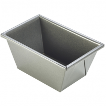Carbon Steel Non-Stick Traditional Loaf Tin 16 x 10.5 x 7.4cm